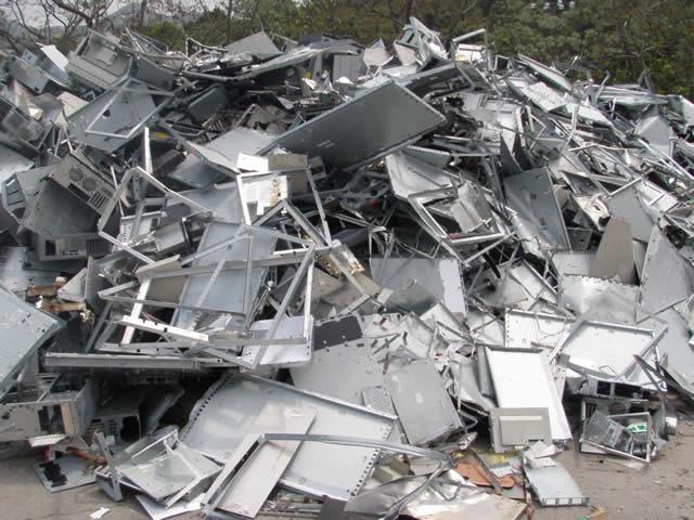 Tại sao nên chọn dịch vụ thu mua phế liệu nhôm tại Mạnh Nhất?